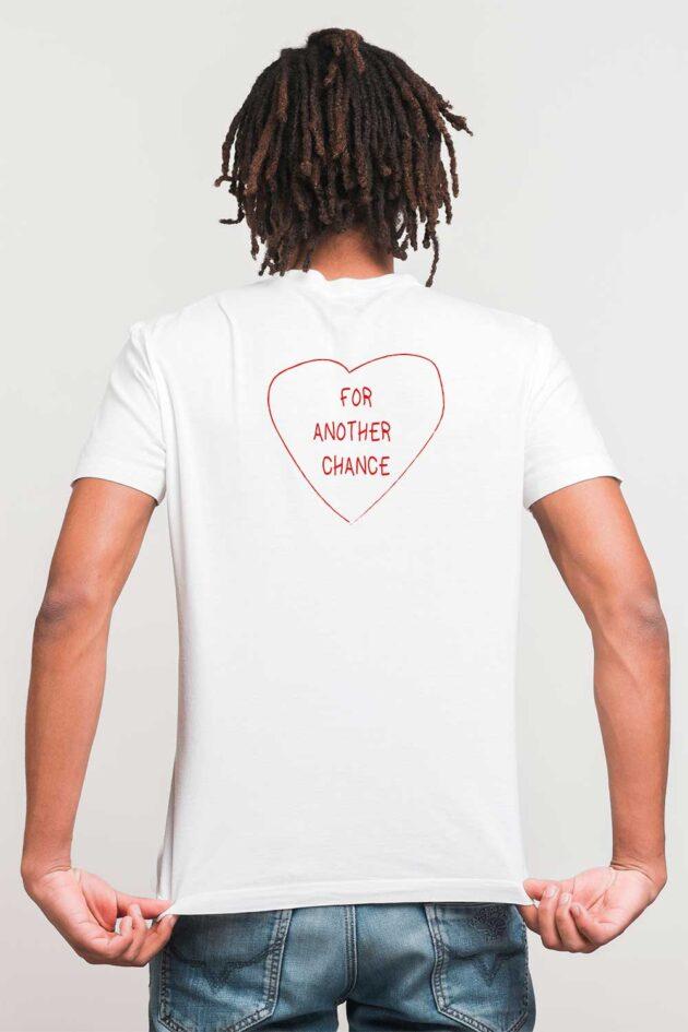 G. Camiseta blanca estampado 4 corazones